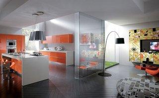 Bucatarie si living amenajate cu mobila din sticla cu imprimeu personalizat