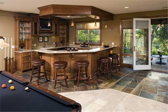 Mobila de lemn pentru bucatarie cu bar