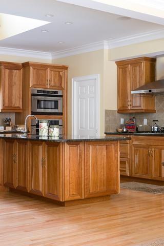 Dulapuri de lemn pentru bucatarie