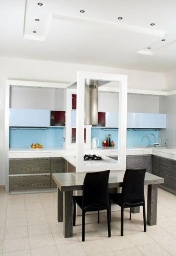 Gri cu bleu combinatie de doua culori pentru mobila de bucatarie