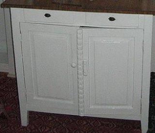 Mobila bucatarie rustica dulap cu usi si sertare