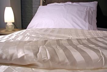 accesorii moderne pentru pat