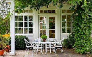Masa si scaune de terasa din fier forjat alb