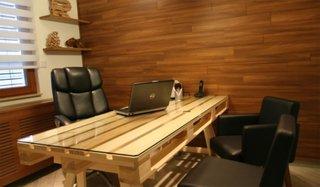 Birou din paleti din lemn