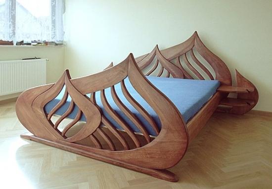 Pat rustic din lemn masiv