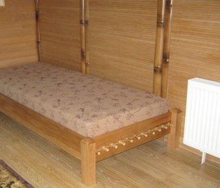 Dormitor in stil oriental cu mobila si tapet de bambus