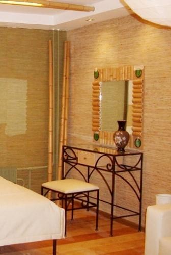Elemente de decor din bambus pentru amenajarea unui dormitor exotic