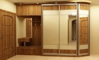 Idee mobilare hol intrare apartament