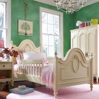 Dormitor pentru fetite cu alb si verde inchis