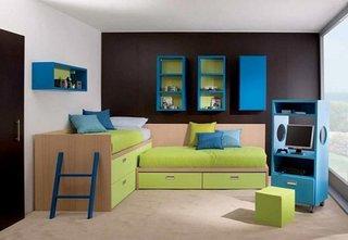Mobila pentru dormitorul copilulul in combinatie de fag si pal verde si albastru