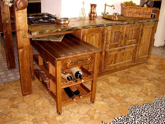 Suport din lemn pentru vinuri