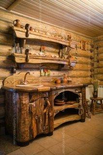 Bucatarie rustica cu mobilier din paleti din lemn