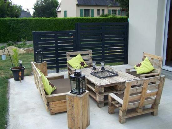 Mobilier de gradina din lemn refolosit