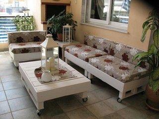 Mobilier din lemn alb pentru terasa