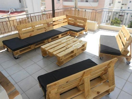 Mobilier terasa coltar si canapele din lemn de la paleti