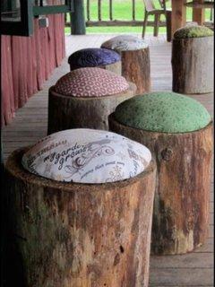 Scaune taburet pentru gradina din busteni si pernute decorative