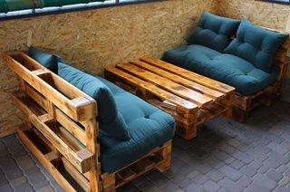 Banci si masa din paleti din lemn