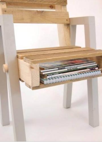Scaun cu spatiu de depozitare din paleti din lemn