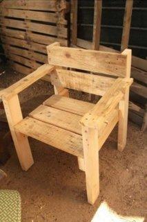 Scaun simplu din paleti din lemn