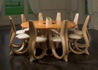 Set masa rotunda cu scaune din lemn model modern