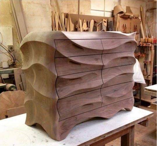 Comoda eleganta din lemn