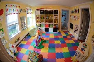 Camera de joaca pentru copii cu mocheta cauciucata