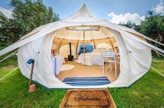 Un model confortabil de cort pentru o vacanta de vis