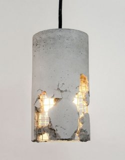 Lampa cu aspect industrial nefinisat