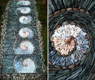 Model alee rustica cu mozaic din piatra