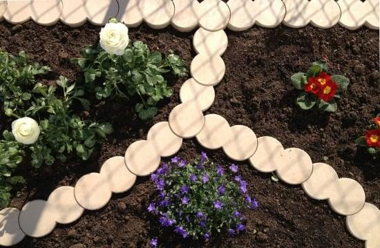 Bordura de gradina din plastic idee originala de amenajare