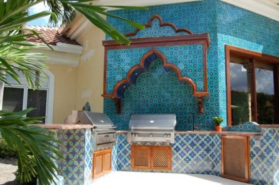 Bucatarie de vara amenajata in stil marocan