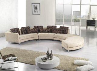 Canapea moderna in forma de semiluna culoare crem