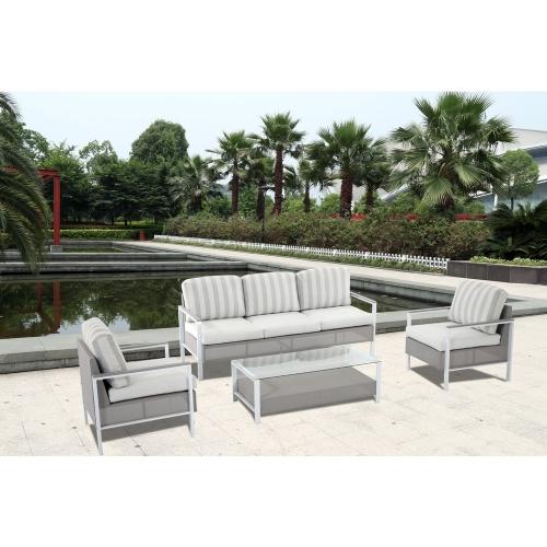6 canapele pentru terasa: imagini si preturi cu modele spectaculoase care iti completeaza oaza ta de relaxare