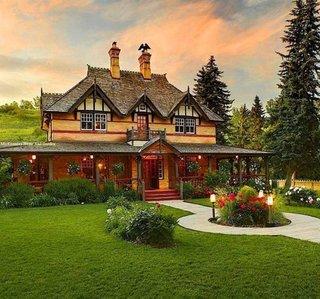 Fatada casa rustica cu etaj