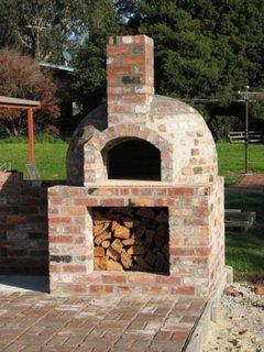 Constructia unui cuptor de pizza pe lemne