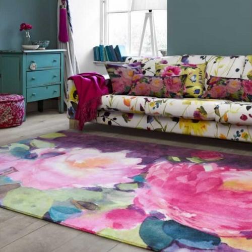 Covor frumos colorat cu flori mari roz