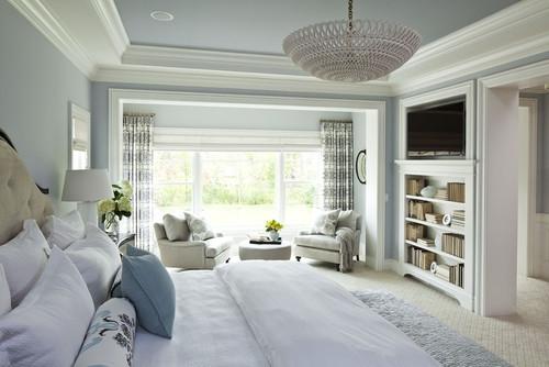 Lustra cu abajur alb impletit pentru un dormitor amenajat in alb