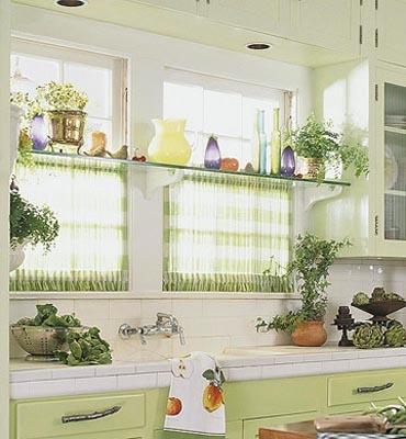 Perdelute scurte vernil pentru fereastra de bucatarie