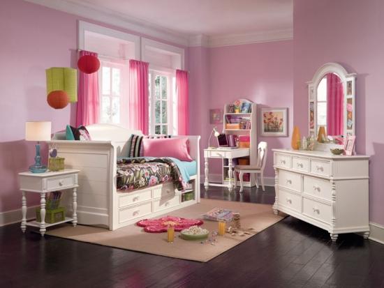 Camera superba pentru adolescente cu roz si lavanda