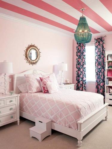 Decorarea unui dormitor de fetita in nuante de roz