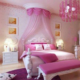 Dormitor elegant roz pentru fetite