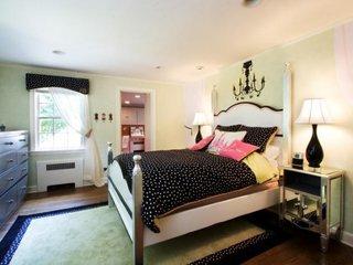 Dormitor pentru adolescenti in alb si negru