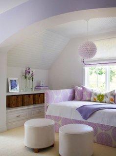 Idee de dormitor pentru adolescente cu alb si lila