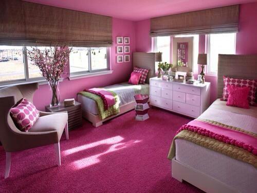 Idee fascinanta de dormitor roz pentru fete