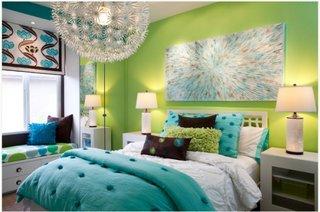 Maro inchis turcoaz alb si vernil culori pentru decorarea unui dormitor pentru fetite