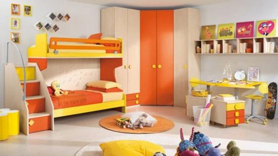 Mobilier modern pe colt pentru camera de copii si covor rotund asortat cu schema camerei