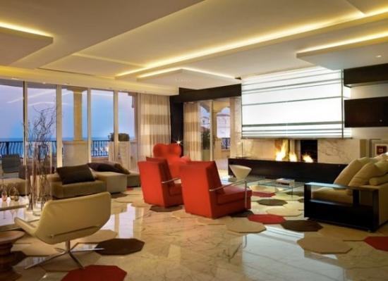 Model de tavan din rigips cu scafe luminate