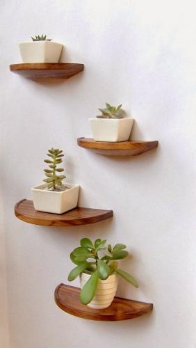 Decoratiuni perete etajere mici din lemn semicerc