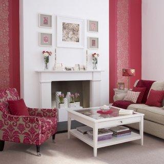 Fotoliu clasic cu tapiterie inflorata rosie cu crem