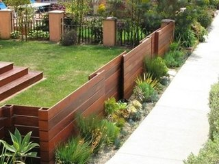 Gard din sipca asezata orizontal